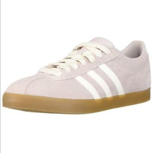 Adidas Courtset Sneaker in Lilic